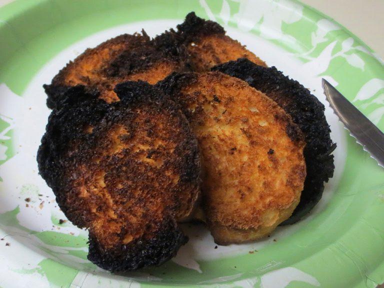 Advierten que consumir las tostadas quemadas pueden provocar cáncer