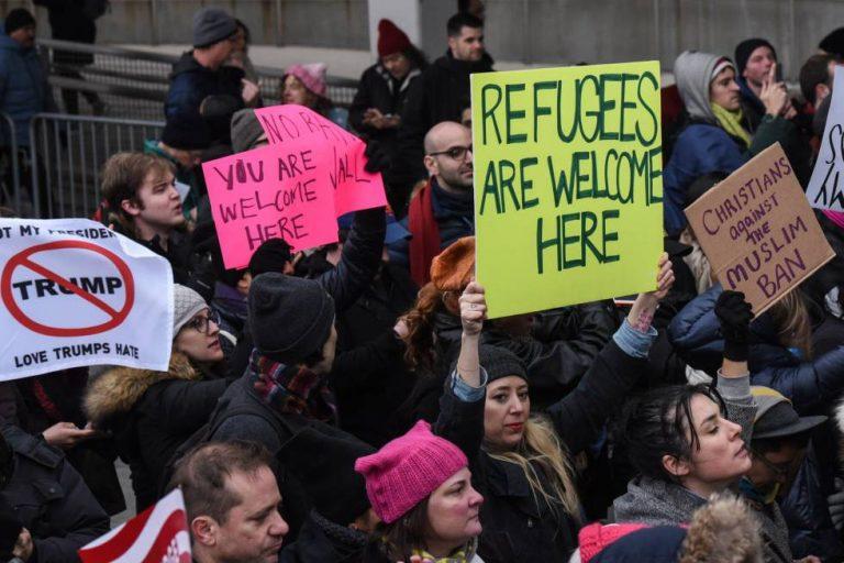 Protestas en todo EEUU tras medida de Trump contra musulmanes de siete países