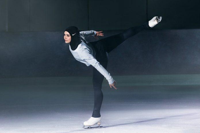 Nike saca un hijab deportivo para las mujeres musulmanas. Hypebae.
