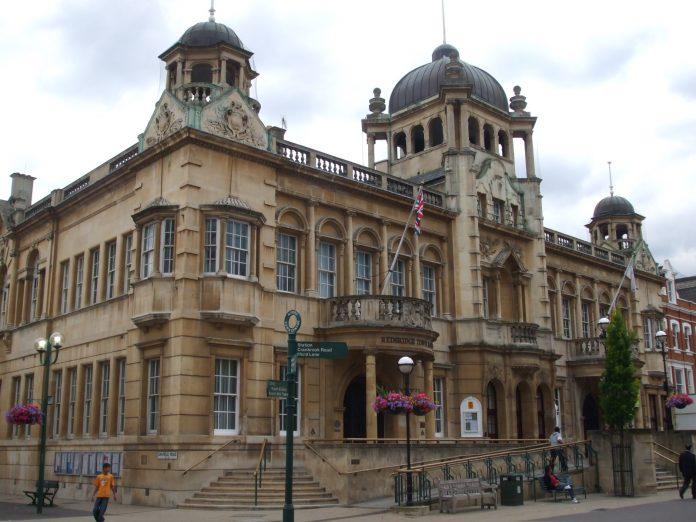 Town Hall de Redbrige. Imagen de archivo.