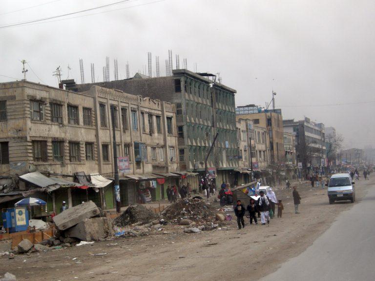 Un coche bomba deja al menos 90 muertos y 463 heridos en Kabul
