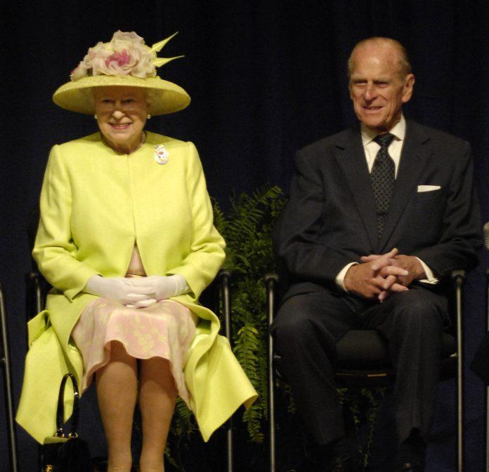 La reina Isabel ll y el príncipe Felipe. Imagen de archivo.