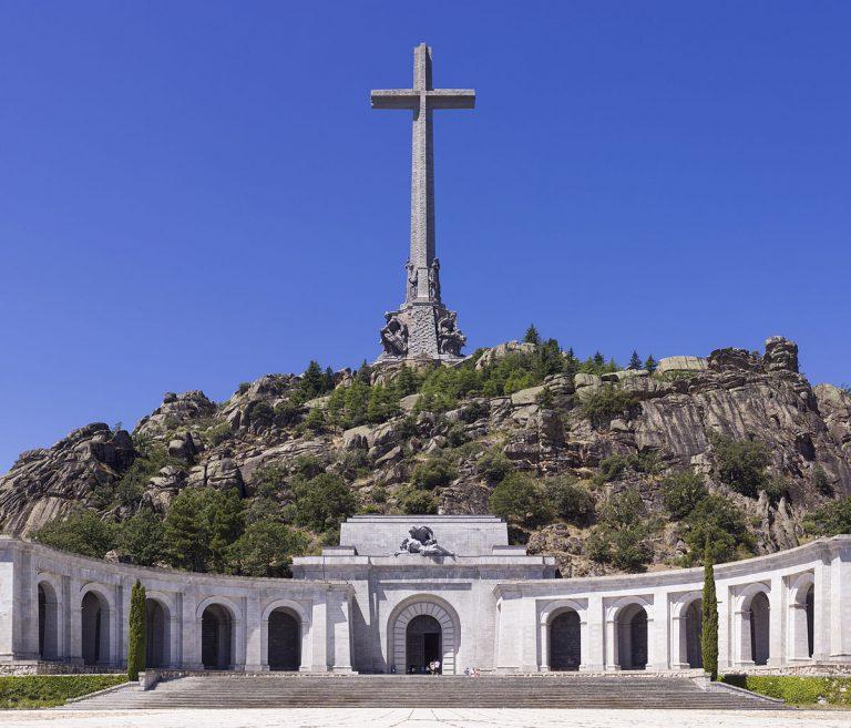 El Vaticano forzará que el Abad del Valle de los Caídos permita la exhumación de Franco
