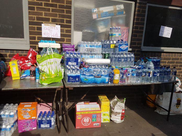 Muchos vecinos están organizándose para aportar agua, comida y ropa para los afectados. Andrea Gurau.
