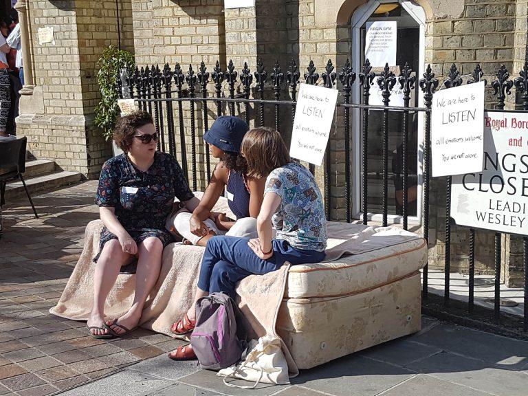 Downing Street dice que la reunión del Council sobre la torre Grenfell debería haber continuado