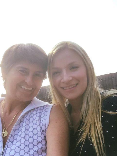La actriz Karen García en Hable con Gloria