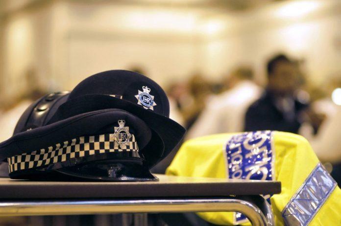 La policía está investigando una serie de sobres con explosivos. Twitter.