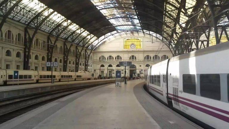54 heridos por un accidente de un tren de cercanías en Barcelona