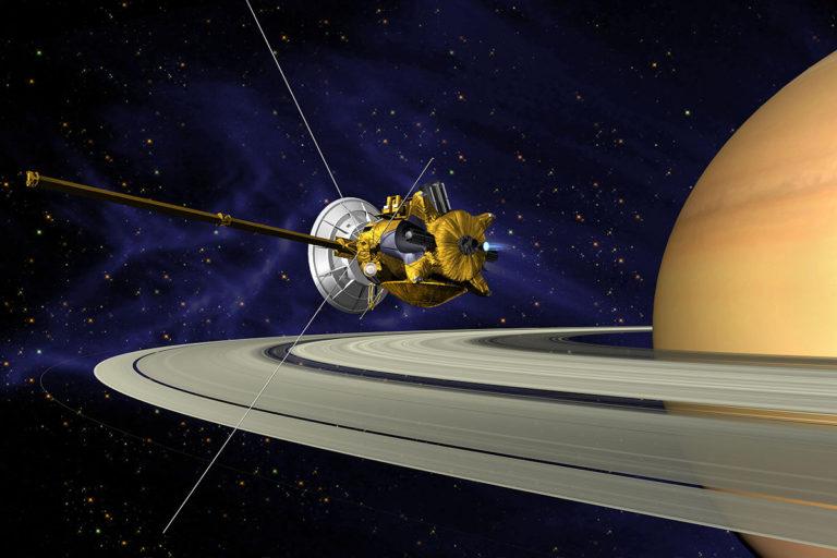La sonda Cassini orbita por última vez Saturno