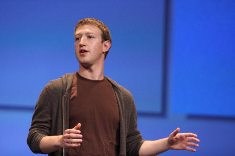 Zuckerberg se disculpa por la filtración de datos de Facebook