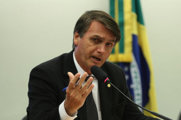Bolsonaro incorporará a su Gobierno varios militares y se centrará en la economía