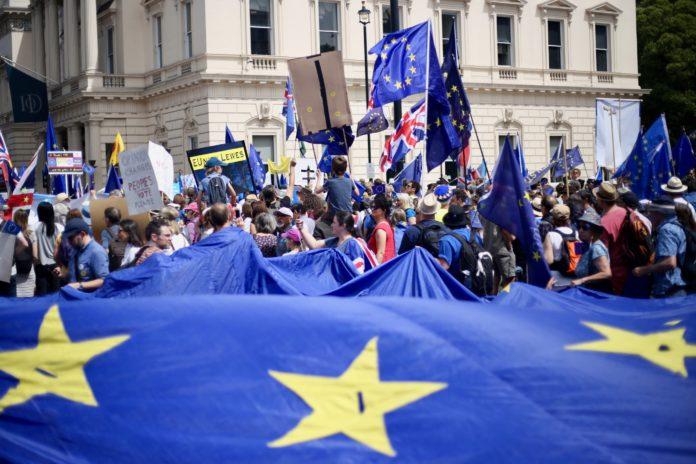 Británicos protestando en contra del Brexit. Imagen de archivo.