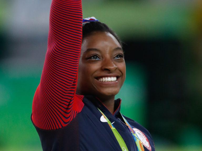 Simone Biles se convierte en la deportista con más medallas en los Mundiales